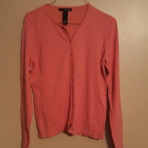 Willi Smith coral button up sweater